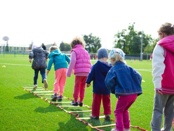 7 zestawów ćwiczeń dla dzieci - head